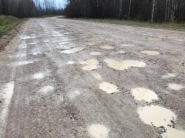 С ремонтом самой проблемной дороги края Valsts ceļi не спешит