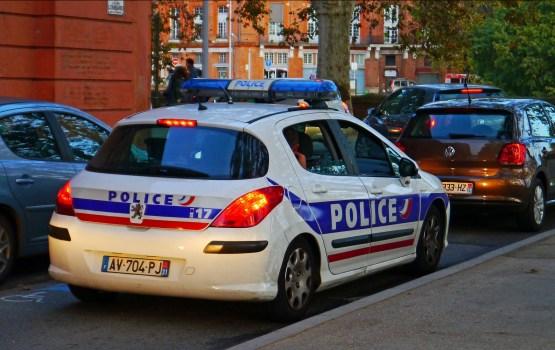 Во Франции невнимательный наркодилер перепутал полицейских с покупателями