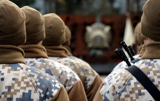 Студентам за обучение военному делу собираются платить до 10 000 евро