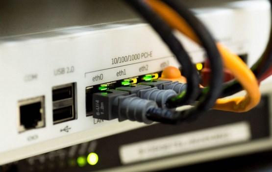 Вредители оставили жителей дома без интернета DAUTKOM