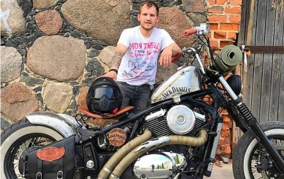 Учитель на мотоцикле