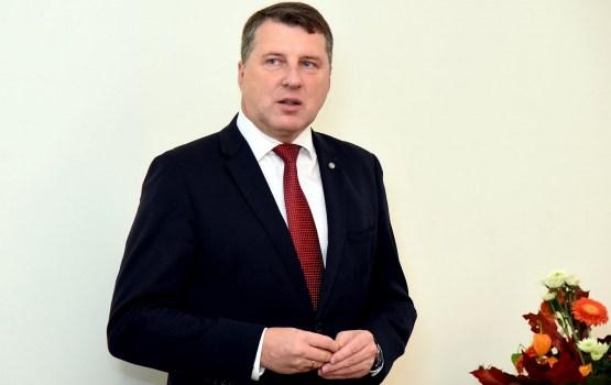 Вейонис не провозгласил поправки к закону о судебной власти