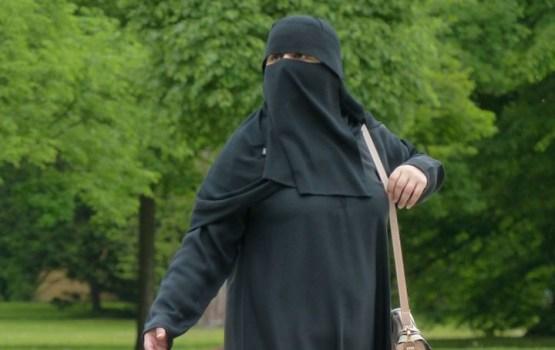 Комиссия Сейма раскритиковала законопроект о запрете закрывающей лицо одежды
