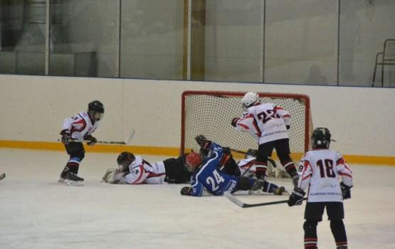 Хоккей: юные хоккеисты U-12 одержали очередную победу