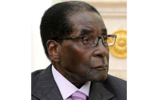 Президент Зимбабве отказывается уходить в отставку