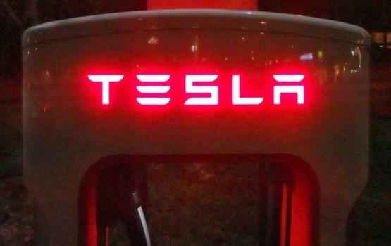 Tesla построила самую большую литиевую батарею в мире