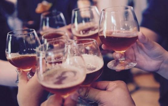 Влияние алкоголя на настроение: вино расслабляет, водка бодрит, пиво дает уверенность