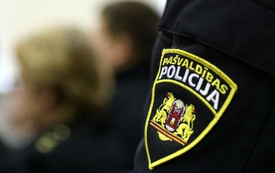 В Риге пьяный школьник жестоко избил пожилого полицейского