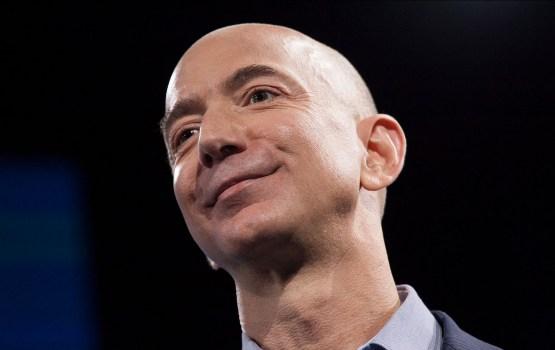 """Состояние главы Amazon Безоса в """"черную пятницу"""" превысило 100 млрд долларов"""