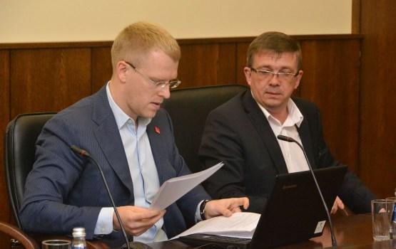 Свой/чужой: Элксниньш опять запутался