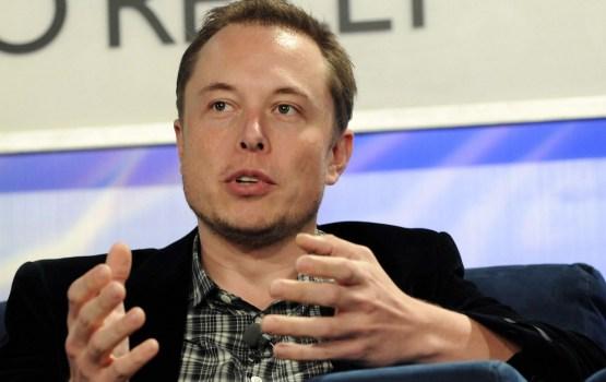 Илон Маск анонсировал запуск сверхтяжелой ракеты Falcon Heavy