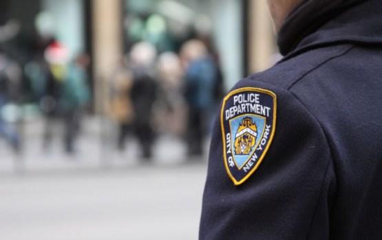 В Нью-Йорке автомобиль въехал в пешеходов