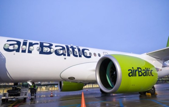 Cамолет airBaltic выкатился за взлетную полосу в Шереметьево