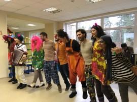 Клоуны из разных стран порадовали даугавпилсских ребят