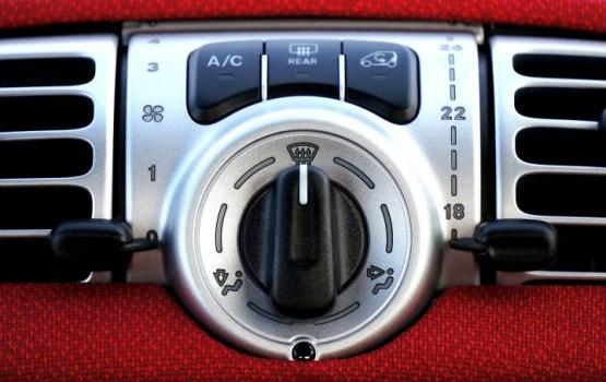 Нужно ли зимой включать кондиционер в машине?