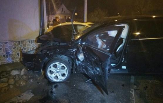 Фотофакт: очередная авария на перекрестке Смилшу-Лиепаяс (дополнено)