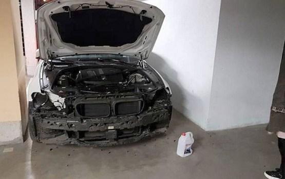 На подземной стоянке на Тейке автоворы разобрали BMW на детали