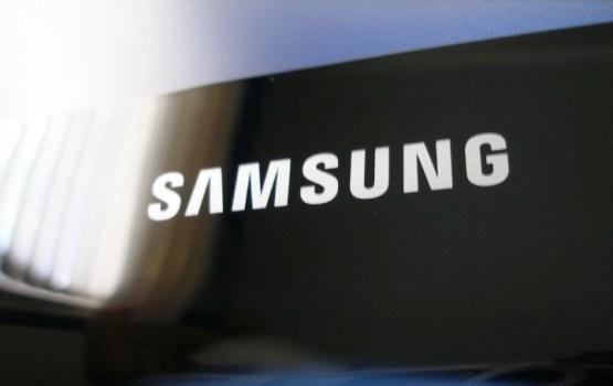 Компания Samsung запатентовала смартфон с двусторонним экраном