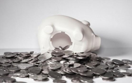 Резко сокращается объем вкладов на длительный срок