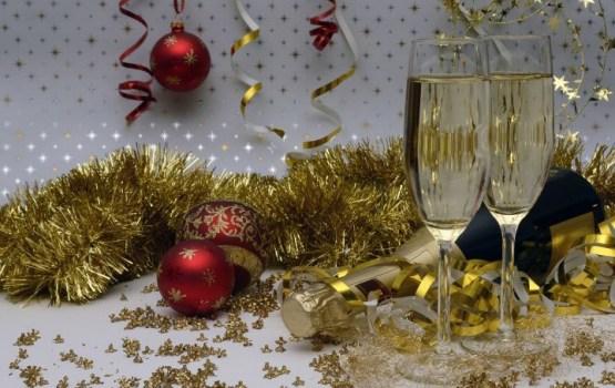 8 советов врача, как выдержать новогодние праздники и не спиться