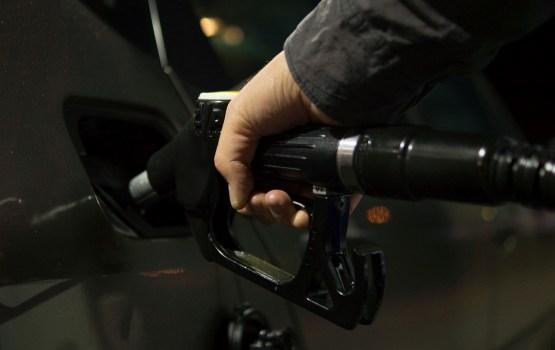 Обзор: в Риге цены на топливо стабильны, в Вильнюсе и Таллине растут