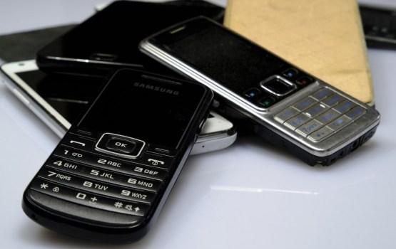 «Я же выплатил деньги за телефон! И он все еще не мой?!» клиенты LMT стали жертвами «подарка с сюрпризом»