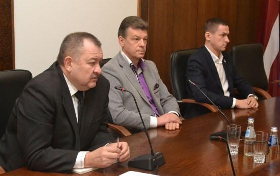 Депутаты изменили правила проведения заседаний думы