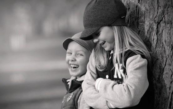 Латвийские сиротские суды ищут приемные семьи для 284 детей