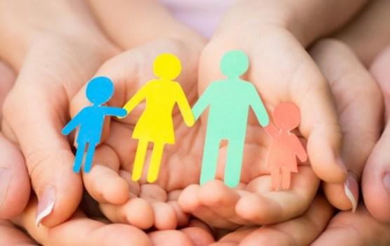 В этом году 161 приемная семья приняла 290 детей