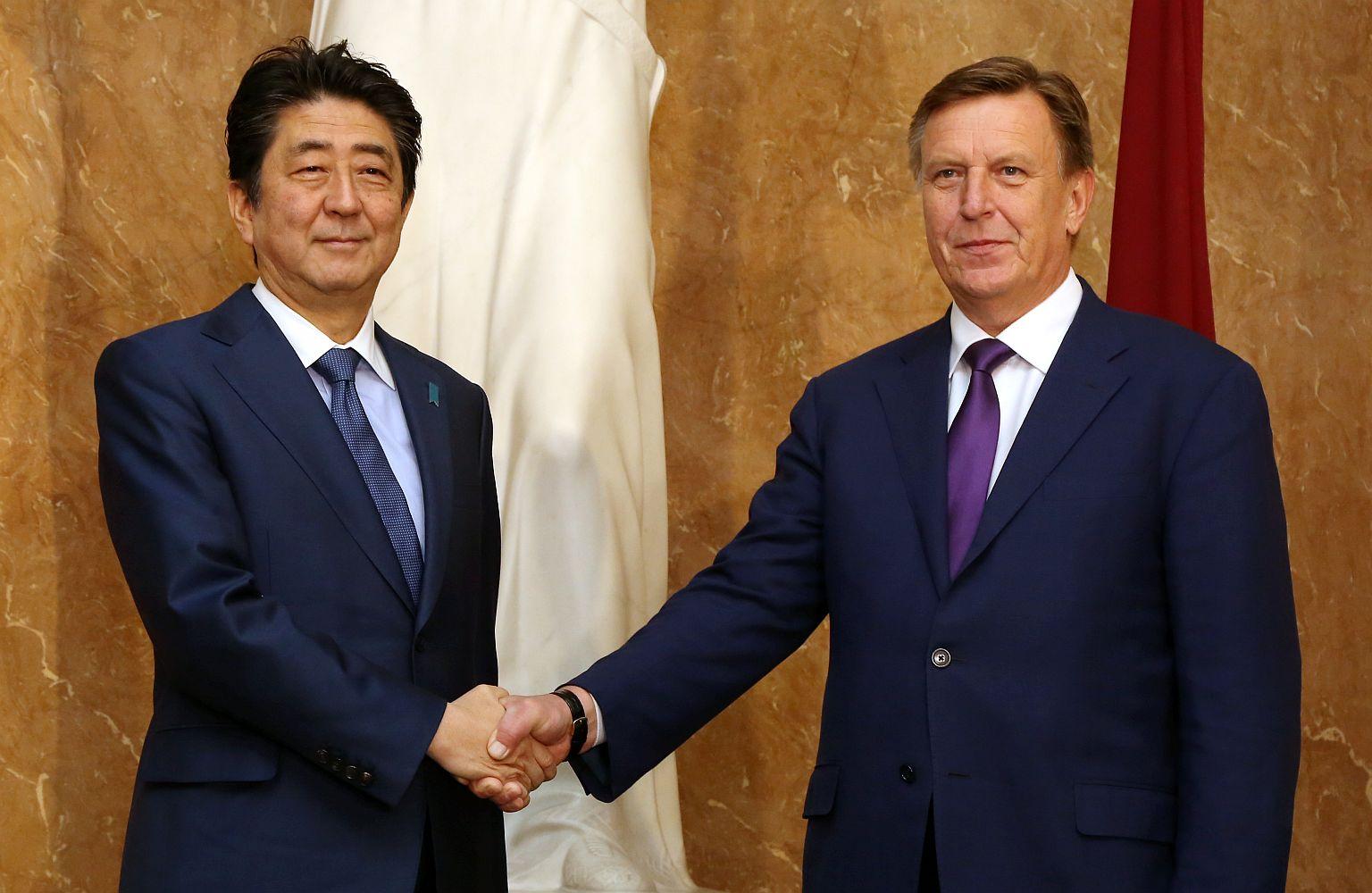 Ввоскресенье премьер Японии Синдзо Абэ посетит Болгарию