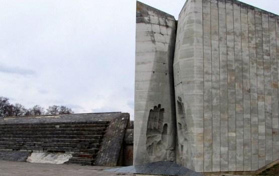 Власти Эстонии решили снести советский мемориал в Таллине
