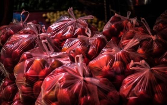 Пластиковые мешочки в магазинах больше не будут давать бесплатно