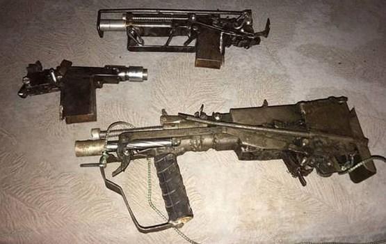 Полиция показала самодельные пистолеты-пулеметы одесского стрелка