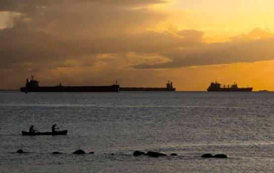 У берегов Африки пропал танкер с 22 моряками и грузом на 8 млн долларов