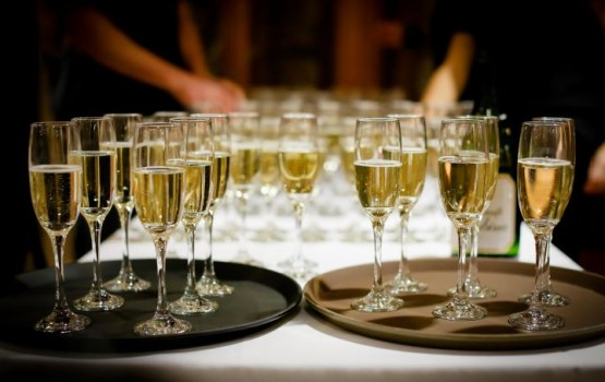 Ротшильды занялись производством кошерного шампанского