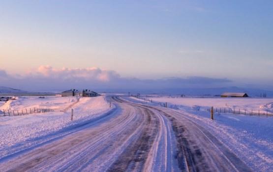 Латвийцев предупреждают о гололеде и снегопаде
