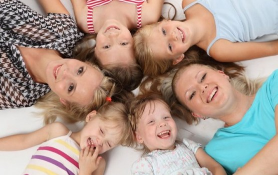Какую доплату получат родители с 1 марта: пояснения и примеры