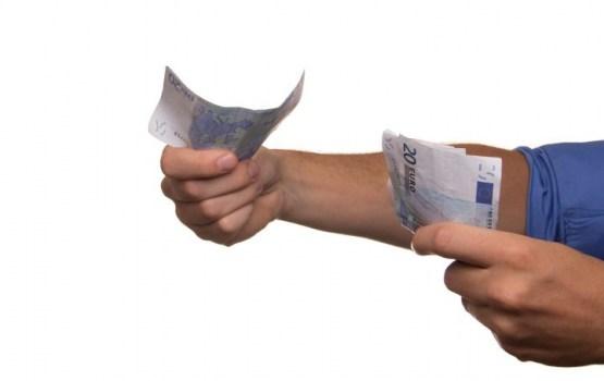 Клиенты Swedbank из-за ошибки получили денежные переводы в двойном размере