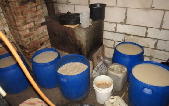 В Даугавпилсском крае обнаружен самогонный заводик