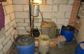 Daugavpils novadā likvidē nelikumīgu alkohola ražotni