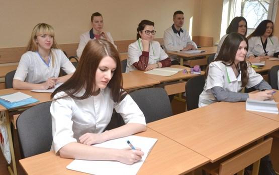 Выпускники Медколледжа получат университетские дипломы