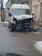 На перекрестке Саулес-Театра очередная серьезная авария