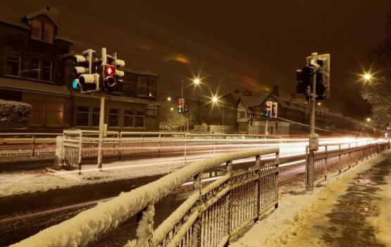 Даугавпилчане снова жалуются на скользкие тротуары и заснеженные улицы