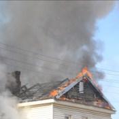 Фотофакт: очередной пожар на улице Кауняс (ВИДЕО)