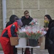 Фотофакт: 8 Марта в Даугавпилсе (ОПРОС)