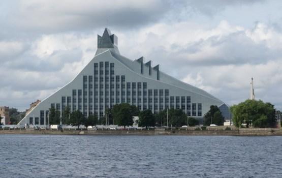 Строители «Замка света» подали в суд на Латвию