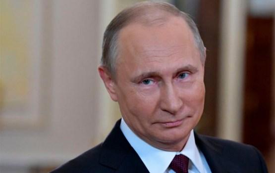 СМИ: у дочери Путина есть тайные банковские счета в Латвии