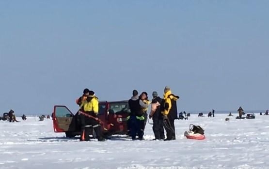 Эстонские и латышские рыбаки подрались на льду в Пярну (ВИДЕО)