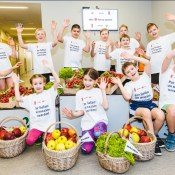 Maxima Latvija начинает историческое сотрудничество с LVS и LHF в детском и юношеском спорте