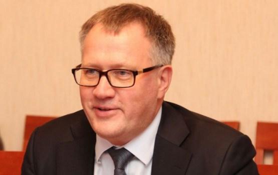 Ашераденс: латвийцы охотно вернутся на родину, ведь здесь средняя зарплата 1000 евро